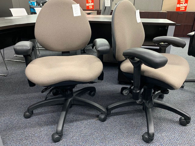 Bodybilt used heavy duty chairs - photo 3