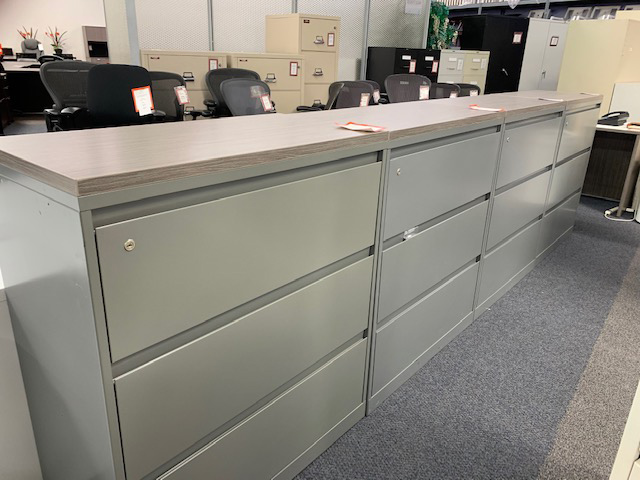 Steelcase 3-drawer later file with top cap and key - Gently Used (second photo)