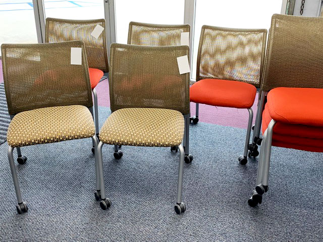 Steelcase used stack chairs - 2 colors - used - photo 2